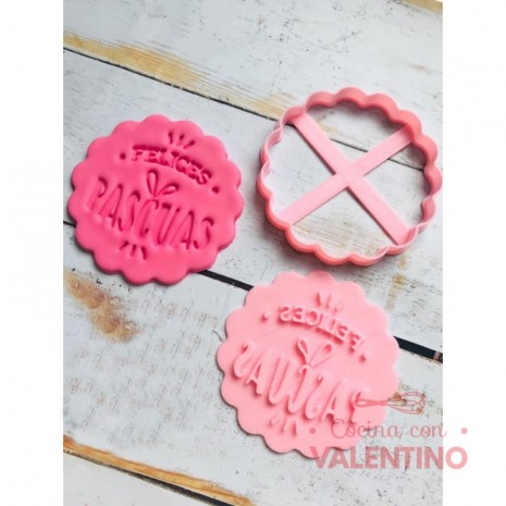 Cortante Blonda Felices Pascuas 9cm Cookie Kutter
